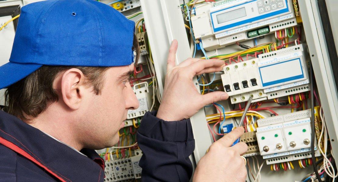 Varo huijareita: Sähkötarkastuksia ei tehdä ovelta ovelle