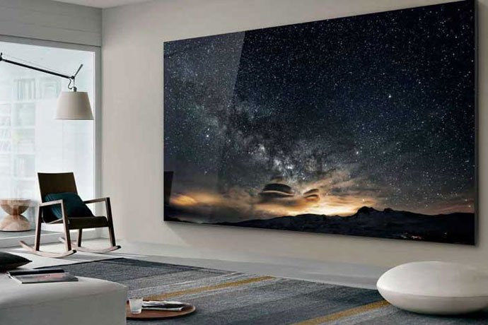 8k tuo isot televisiot pieniin asuntoihin